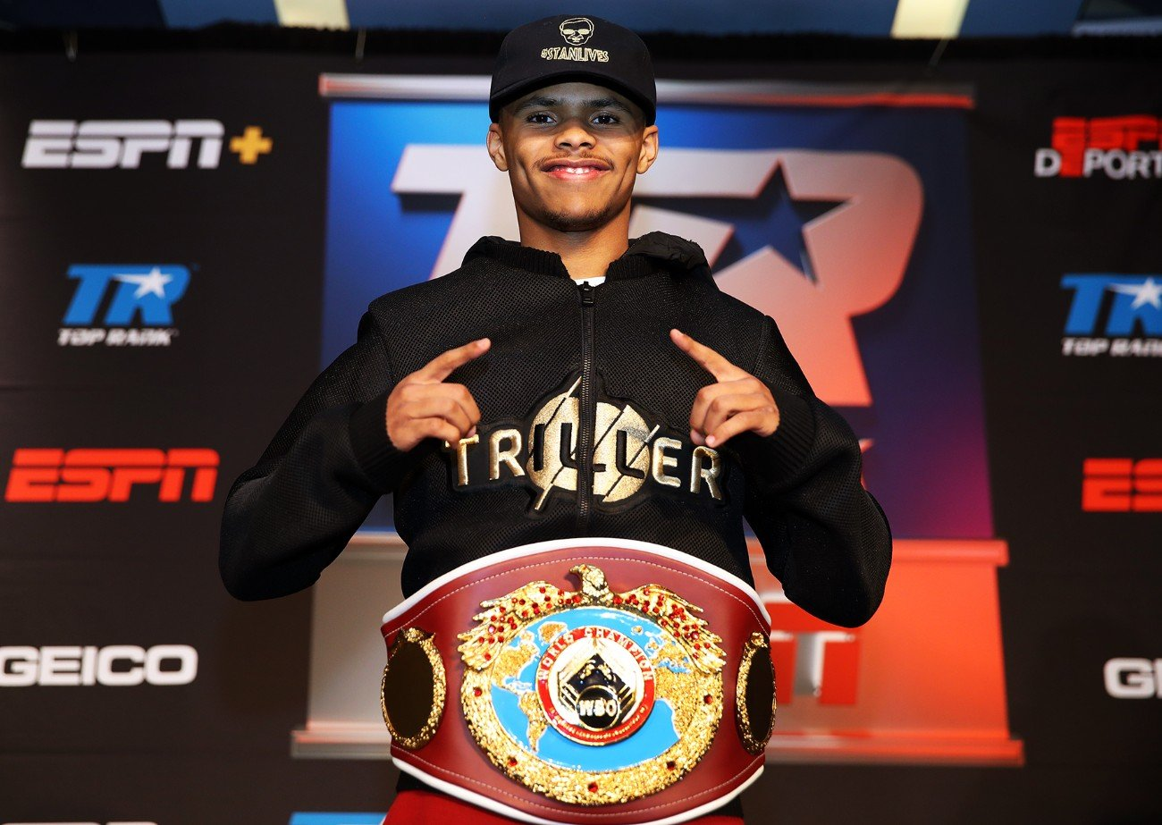 Bob Arum, Floyd Mayweather Jr, Shakur Stevenson - Bob Arum has been using Floyd Mayweather Jr. as a person to compare his fighter featherweight Shakur Stevenson with.  Arum sees the unbeaten WBO 126-pound champion Stevenson (13-0, 7 KOs) as a southpaw version of Mayweather, and he feels he's heading towards superstardom.