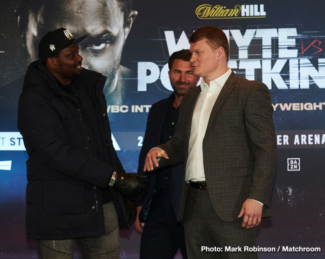 Alexander Povetkin, Dillian Whyte - Is the third time a charm? The fight between heavyweight contenders Dillian Whyte and Alexander Povetkin, twice postponed due to the coronavirus, has a new date, it's third. According to Mike Coppinger, the fight between the Brit and the Russian is now set to go down on August 22, the battle to be the finale of Eddie Hearn/Matchroom's Fight Camp series. The fight will go out on DAZN in the U.S.