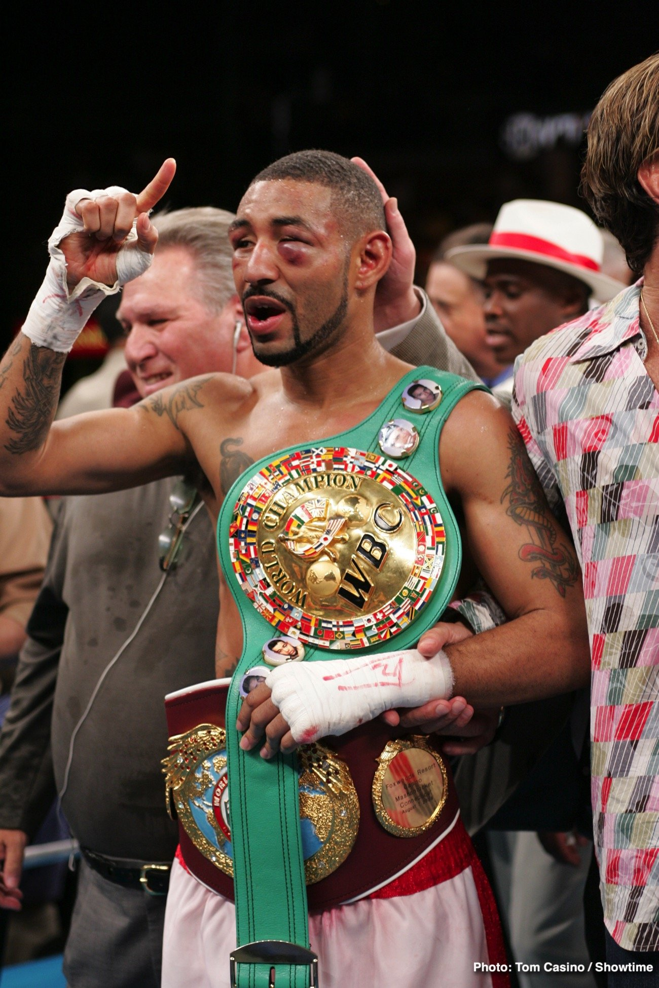Diego Corrales, Jose luis Castillo - There are quite a few big fight anniversaries here in the month of May. Yet, for some, in fact, for many, the biggest, best and most brutally memorable fight from this month that simply has to be celebrated by all, is the all-out war 135-pound warriors Diego Corrales and Jose Luis Castillo put on.