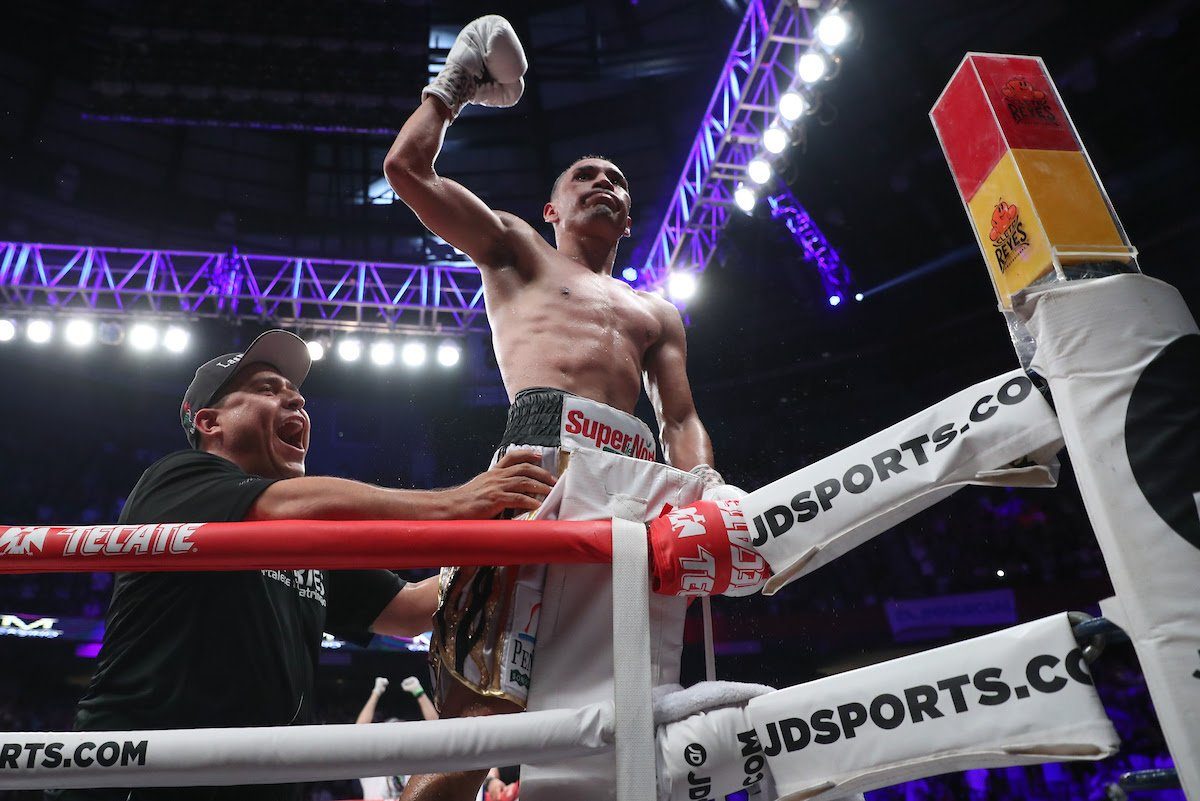 Roman Gonzalez - Juan Francisco Estrada and Roman 'Chocolatito' Gonzalez are hunting a blockbuster unification rematch – and Estrada told Gonzalez in the first-ever episode of 'Peleamundo', premiering this Sunday on Matchroom Boxing's YouTube channel, that he is confident of settling the score if the pair can meet again.