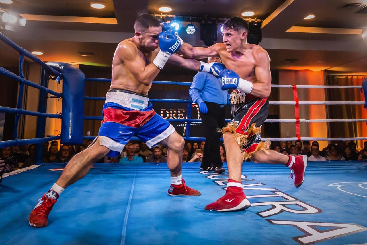 Junior Cruzat - The 19-year-old, who holds a record of 7-0 (4 KOs), is now determined to build on his perfect professional start under the guidance of powerhouse manager Tony Tolj.