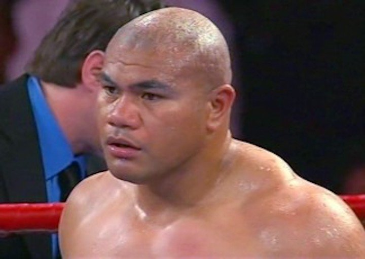 """David Tua, Michael Moorer - Moorer never had a great chin as a heavyweight, but nobody ever took the Kronk fighter out as quickly and as ruthlessly as """"The Tuaman."""""""