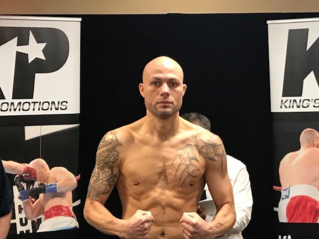 Kermit Cintron, Sergio Martinez - Former Two-time world welterweight champion Kermit Cintron (39-6, 30 KOs) would like to let former world middleweight champion Sergio Martinez, that if he were to comeback, it should be against him.