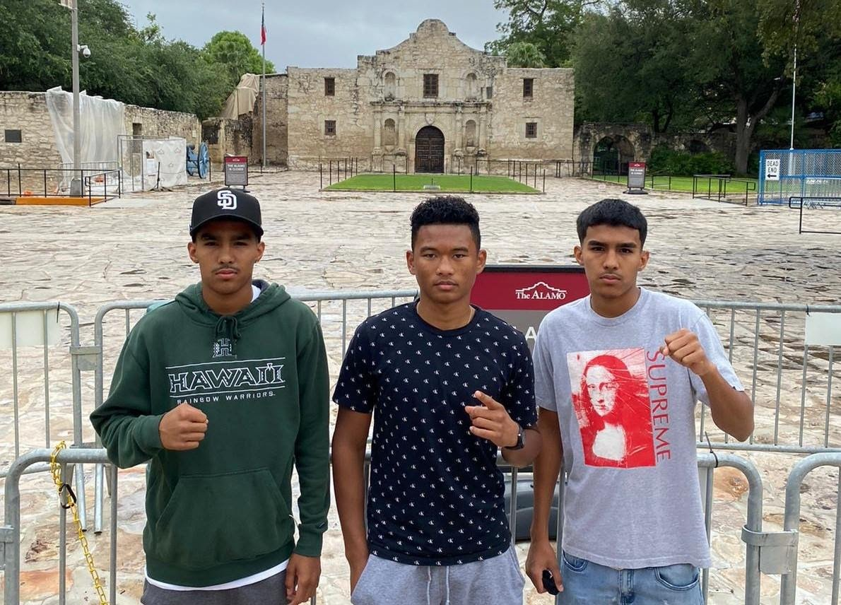 """Angel Barrientes, Chavez Barrientes -  17-year old twin boxing sensations, coming fresh off a sparring tour in the United States, Angel """"AK-47"""" (3-0, 3 KOs) and Chavez """"The Beast"""" Barrientes (3-0, 3 KOs), and their highly touted teammate, Demler """"DJ"""" Zamora lll (4-0, 3 KOs), all scored impressive knockouts on Saturday, August 1, 2020, at Papas and Beer in Rosarito, MX."""