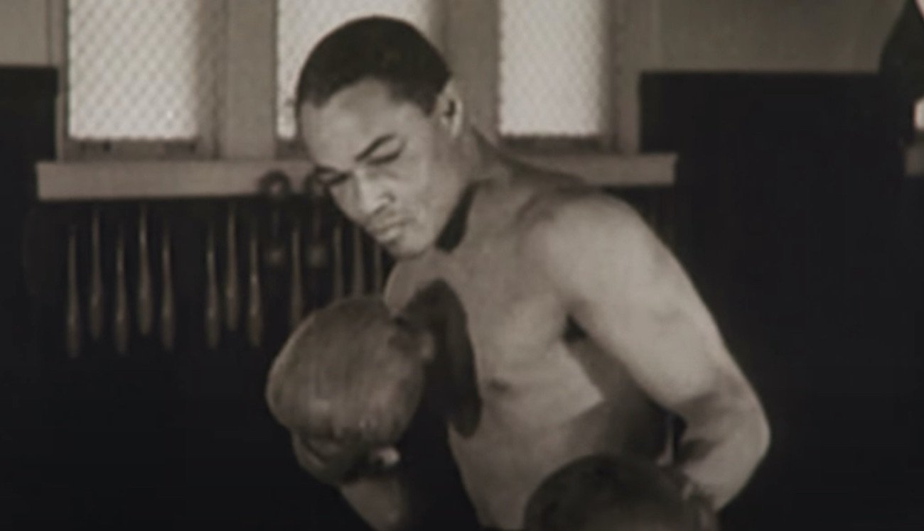 "Boxing History - Has there ever been a greater fighter who lost his pro debut? A greater fighter than Henry Armstrong? It sure seems doubtful. Armstrong, for many one of the top-five greatest fighters in boxing history, would rule the world at featherweight, lightweight and welterweight. Also, the general consensus is ""Hammerin' Hank"" was robbed of a win for the world middleweight title when he was held to a controversial draw by Ceferino Garcia."