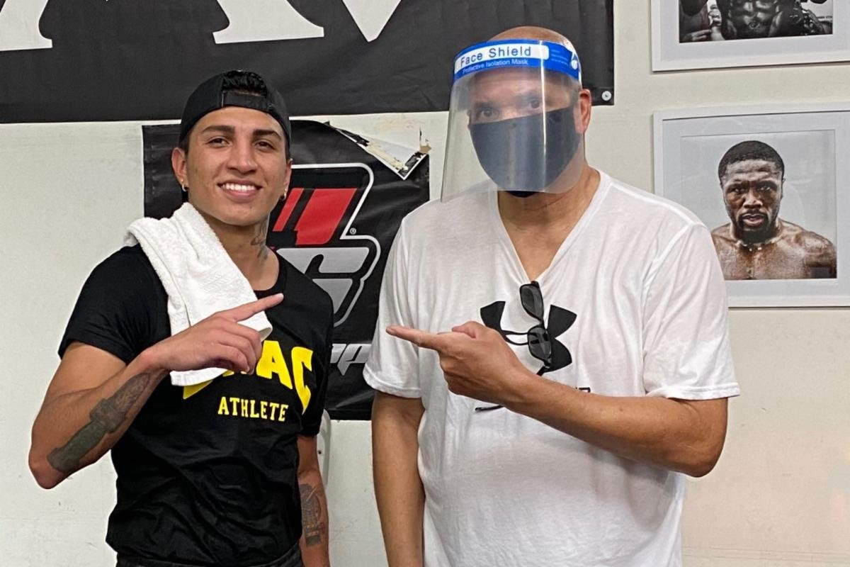 """Mario Barrios, Ryan Karl - Undefeated WBA Super Lightweight champion, Mario """"El Azteca"""" Barrios (25-0, 16 KOs), has arrived in the Bay Area, CA, to start training camp with his coach, 2011 Trainer of the Year, Virgil Hunter. Barrios is scheduled to defend his title against Ryan Karl (18-2, 11 KOs) in a 12-round bout as part of SHOWTIME / Premier Boxing Champions PPV Doubleheader on September 26, 2020."""