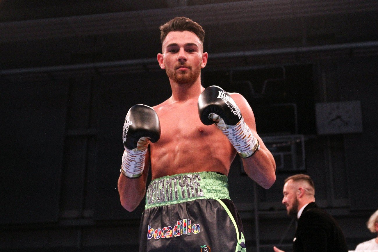Craig MacIntyre, Darren Surtees - It's been a frustrating year for talented Scottish star Craig MacIntyre - and he plans on unleashing all of that frustration when he takes on hard-hitting Darren Surtees next month.
