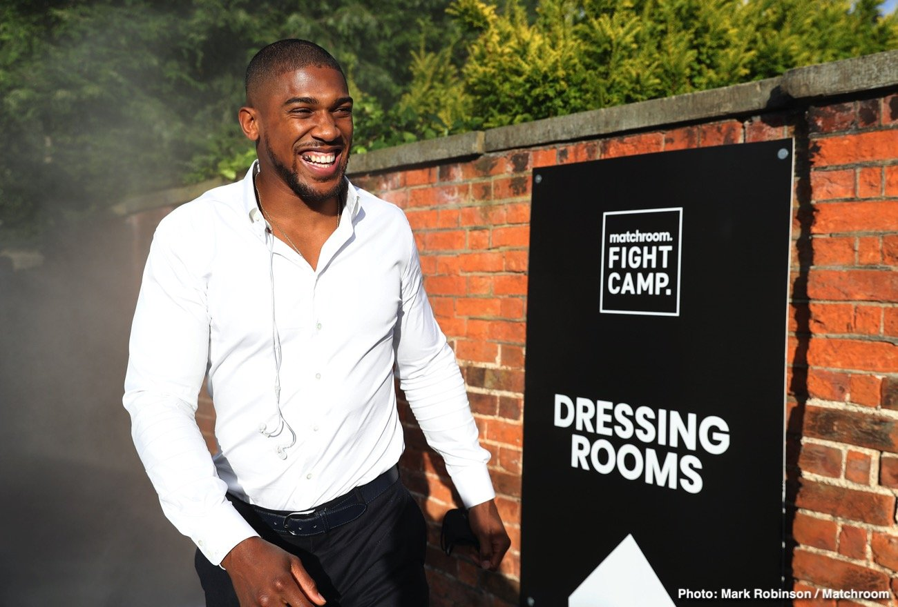 Anthony Joshua, Kubrat Pulev - It's more than a touch ironic that Anthony Joshua, one of the biggest crowd-pullers in boxing today – a fighter who can regularly fill cavernous stadiums, with as many as 90,000 paying fans in attendance – may have to fight with no fans in attendance in his next fight.