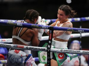 Hopey Price - Terri Harper retained her WBC and IBO Super-Featherweight World Titles with a thrilling split decision draw against Natasha Jonas in a main historic event at Matchroom Fight Camp.