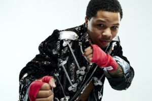 Gervonta Davis, Leo Santa Cruz - CHANNEL 5 AND SHOWTIME SPORTS® ANNOUNCE WORLD CHAMPIONSHIP FIGHT – GERVONTA DAVIS VS. LEO SANTA CRUZ – FREE-TO-AIR BROADCAST IN THE UK - 3 WORLD CLASS FIGHTS TO AIR FROM SUNDAY 1ST OF NOVEMBER AT 2 AM GMT ON CHANNEL 5