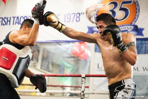 """Gervonta Davis, Leo Santa Cruz - Four-division champion Leo """"El Terremoto"""" Santa Cruz previewed his upcoming SHOWTIME PPV main event against Gervonta """"Tank"""" Davis during a virtual media workout Tuesday as he prepares for the highly anticipated showdown taking place Saturday, October 31 from Alamodome in San Antonio, Texas, in an event presented by Premier Boxing Champions."""