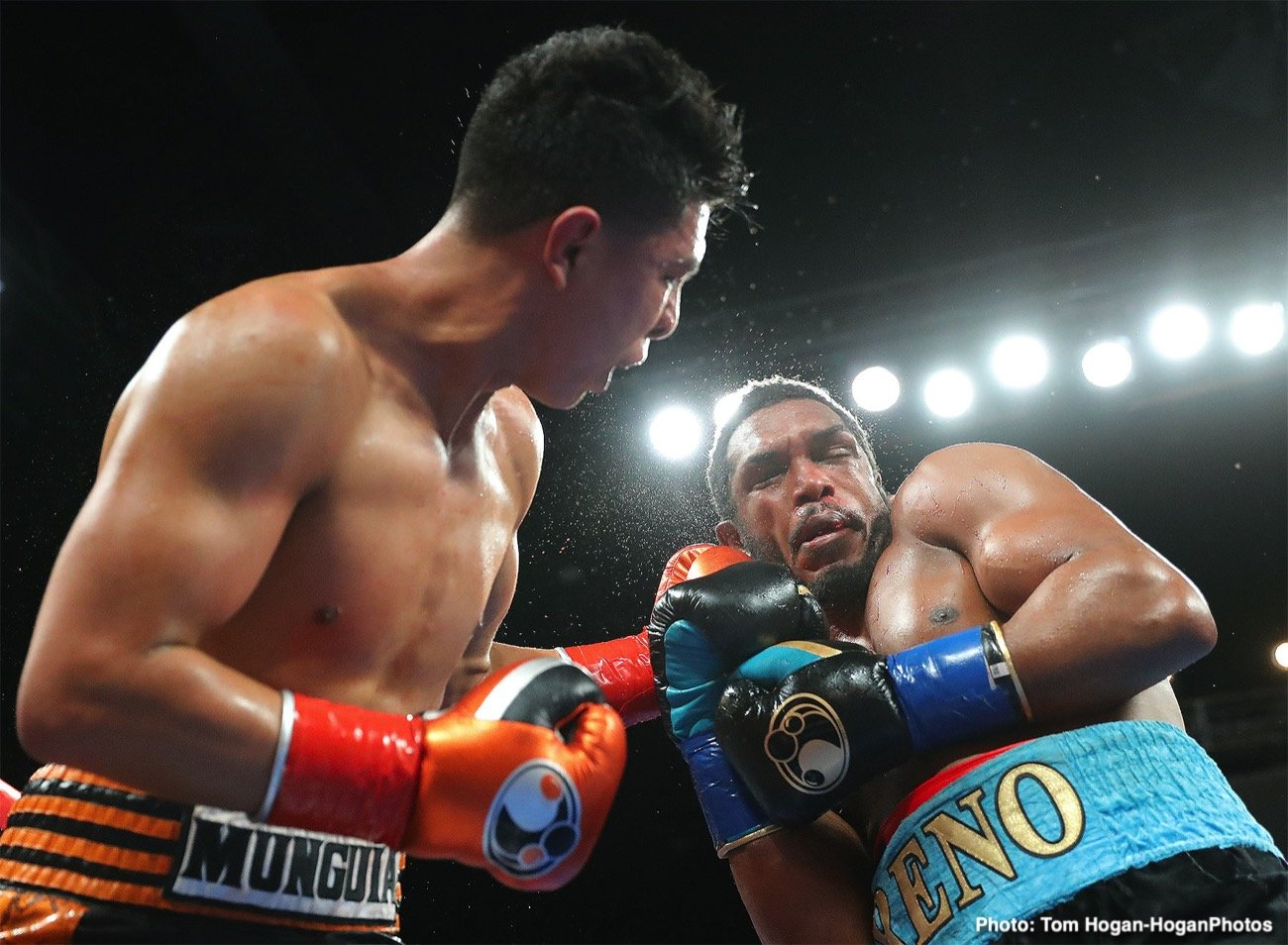 Jaime Munguia, Tureano Johnson - Former WBO junior middleweight champion Jaime Munguia (36-0, 29 KOs) got the win on Friday night in stopping middleweight contender Tureano Johnson (21-3-1, 15 KOs) in the sixth round after he suffered a cut lip. The match was shown on DAZN and it took place at the Fantasy Springs in Indio, California.