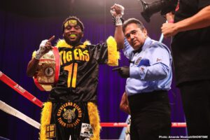 Wendy Toussaint - Undefeated 23-year-old super welterweight prospect Charles Conwell continued the impressive start to his career by scoring a ninth-round KO over tough challenger Wendy Toussaint in a special Wednesday night edition of ShoBox: The New Generation, the first since March, from Mohegan Sun Arena in Uncasville, Conn.