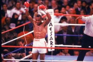 """Leonard-Hearns II: The Last Great Fight From """"The Four Kings"""" Rivalry"""
