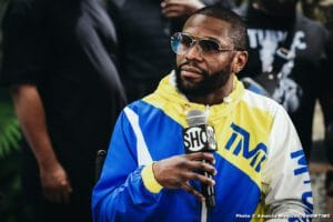 Floyd Mayweather On Pacquiao Vs.  Spence: Of Course I Wanna See Spence Win