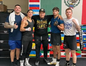 Eddy Reynoso's Super stable back in training together