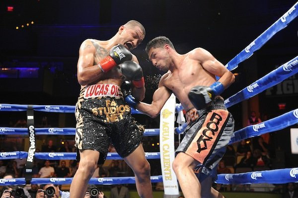 Josesito Lopez Puts on Vintage Performance; Defeats Aron Martinez via 5th round TKO