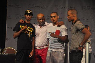 Arash Usmanee Argenis Mendez Boxing News