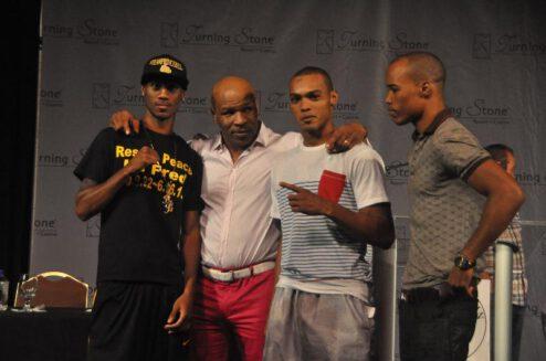 Arash Usmanee, Argenis Mendez - Boxing News