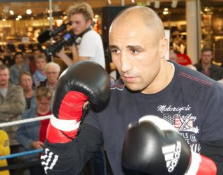 Arthur Abraham, Gilberto Ramirez, Manny Pacquiao, Tim Bradley - By Carlos Ortiz: While the main event of the Manny Pacquiao vs. Tim Bradley 3 rematch may not be a big deal for April 9th, the potential co-feature bout between WBO super middleweight champion Arthur Abraham and Gilberto Ramirez (33-0, 24 KOs) could be a good one if Top Rank promoter Bob Arum can get the fight made. The Pacquiao-Bradley 3 fight card will be televised on HBO pay-per-view from the MGM Grand in Las Vegas, Nevada. The two fighters fought each other twice before with Bradley winning the first fight in 2012, and Pacquiao winning the second fight in 2014.