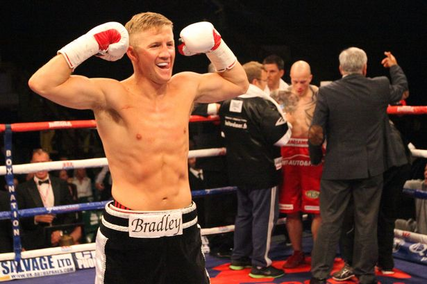 Bradley Saunders wins in just 81 seconds