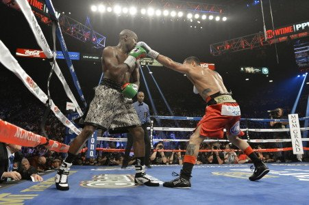 """My Fingers Was Numb!"" Mayweather Survives Alleged Nom, Dances to UD in Maidana Rematch"
