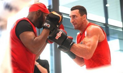Wladimir Klitschko hints at an early outcome of his fight vs. Kubrat Pulev on Nov.15