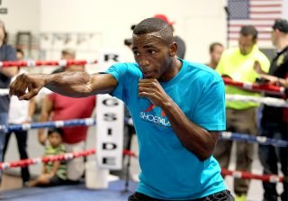 """Erislandy Lara - Photo: Ray Spencer - Hoganphotos/Golden Boy Promotions -- Before he steps into the ring to face Mexican-superstar Canelo Alvarez, WBA Super Welterweight World Champion Erislandy """"The American Dream"""" Lara worked out for the media and talked about his upcoming PPV main event on """"Honor & Glory""""."""