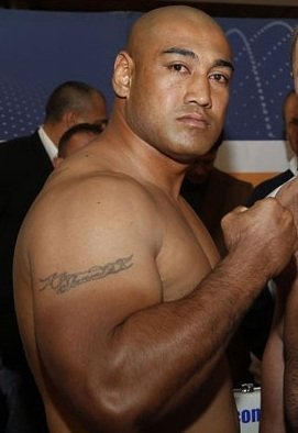 Samuel Peter takes on Alex Leapai on October 24 in Queensland Australia