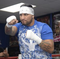 """Arreola vs. Mitchell, Chris Arreola, Seth Mitchell - (Photo credit: Esther Lin/Showtime) INDIO, Calif.  (Sept. 5, 2013) – Chris """"The Nightmare"""" Arreola (35-3, 30 KO's) and Seth """"Mayhem"""" Mitchell (26-1-1, 19 KO's) along with Rafael Marquez (41-8, 37 KO's), Efrain Esquivias (16-2-1, 9 KO's), Angel Osuna and Ryan Caballero participated in a media workout at the Boys and Girls Boxing Club just two days before their respective bouts this Saturday, Sept. 7, at Fantasy Springs Resort Casino in Indio, Calif., on SHOWTIME BOXING: Special Edition live on SHOWTIME® (approximately 10:25 p.m. ET/7:25 p.m. PT)  immediately after the  ALL ACCESS: Mayweather vs. Canelo Episode 3 Premiere, which begins at 10 p.m. ET/PT (delayed on the West Coast)."""