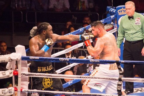 Stiverne stops Arreola in classic heavyweight battle