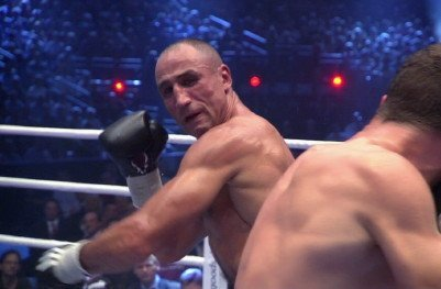 Arthur Abraham Back Out on Nov 21 / 'Plenty More Knockouts to Come'
