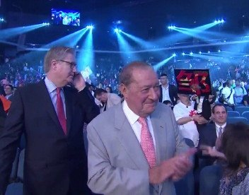 Arum to meet with Pacquiao on August 9 to discuss Crawford/Vargas