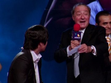 "Bob Arum Talks ""The Shoulder"" – Manny Won't Return This Year"