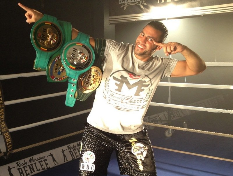 Alexander Ustinov, Manuel Charr - Tonight in Germany, Manuel Charr won a 12 round unanimous decision over the huge Alexander Ustinov. Winning by commanding scores of 116-111, 115-111 and 115-112 Charr improved to 31-4(17), Ustinov fell to 34-2(25). Oh, and Charr picked up a version of the WBA heavyweight crown.