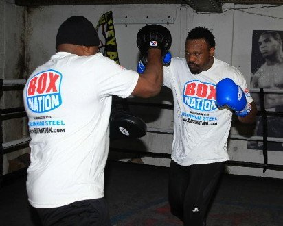 Chisora expects to KO Johnson; Fury with tough task against Abell