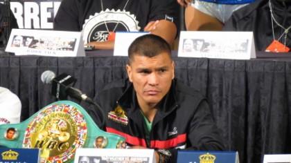 De Leon vs. Mares Boxing News