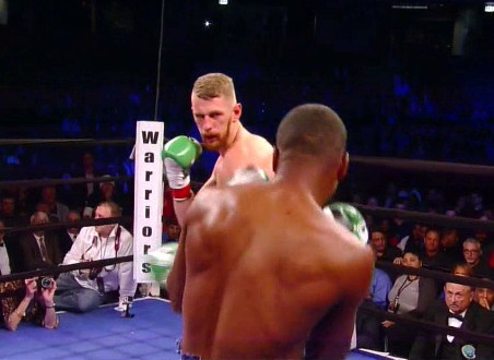 Andrzej Fonfara, Doudou Ngumbu - Former light heavyweight world title challenger Andrzej Fonfara (26-3, 15 KOs) defeated Doudou Ngumbu (33-6, 12 KOs) by a workmanlike 10 round unanimous decision tonight in a fight that was a tougher than it should have been for Fonfara at the UIC Pavilion in Chicago. Fonfara was hit cleanly by a lot of Ngumbu's best power shots in the fight.