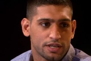 "Amir Khan, Floyd Mayweather Jr - While former 140-pound king Amir Khan is still getting used to the frustrating fact that superstar Floyd Mayweather Junior will not be giving him a shot at his titles in his next fight (and in fact just jerked Khan around wasting his time, this despite the fact that Khan actually won the Twitter poll: 'who should I fight: Khan or Maidana,' that Mayweather set up so as to ""let the fans decide,"") the 27-year-old has not given up complete hope of one day challenging the unbeaten master."