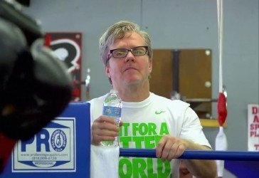 Roach: Mayweather's legs are shot, Khan beats him now